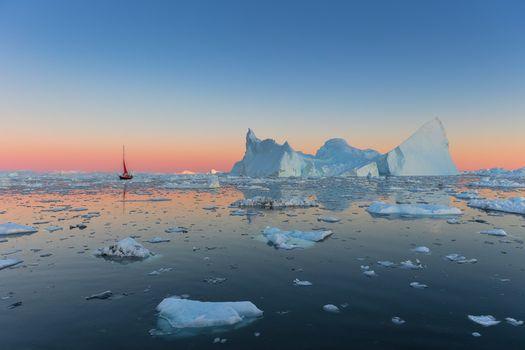 Атлантический айсберг · бесплатное фото