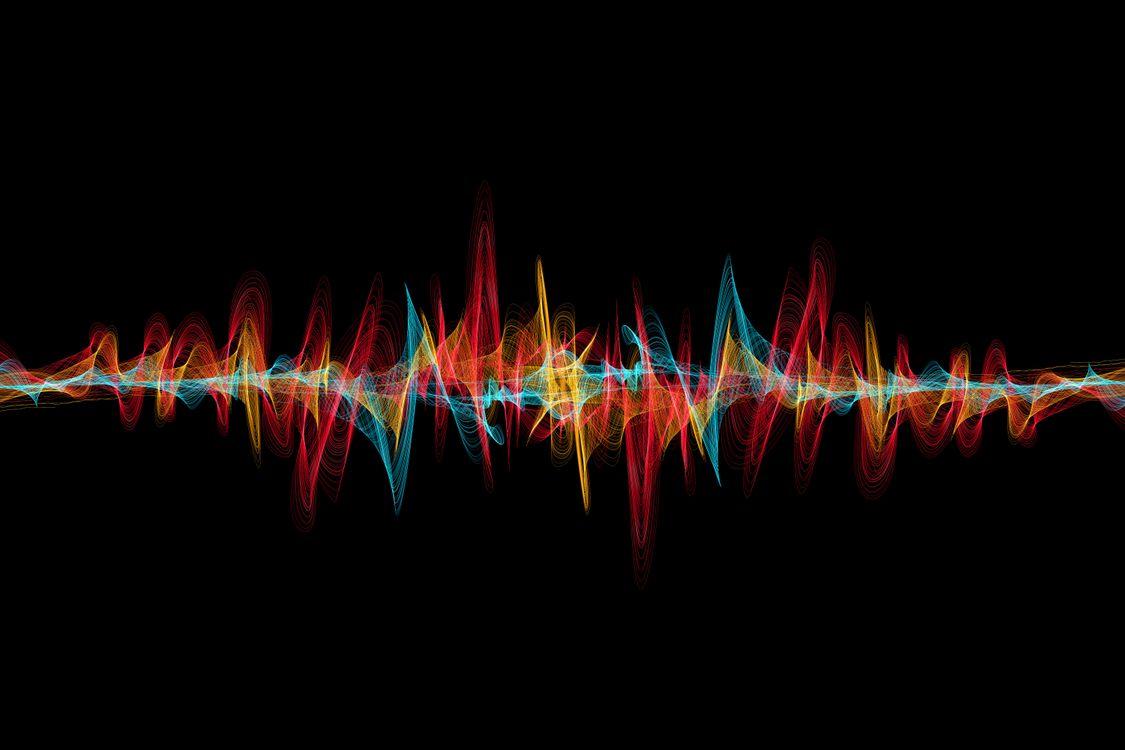 Обои абстракция, радиоволны, разноцветные, черный фон, текстура, свечение, разноцветные огни картинки на телефон