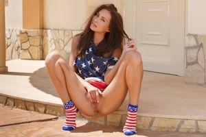 Фото бесплатно взрослая модель, носки, ноги