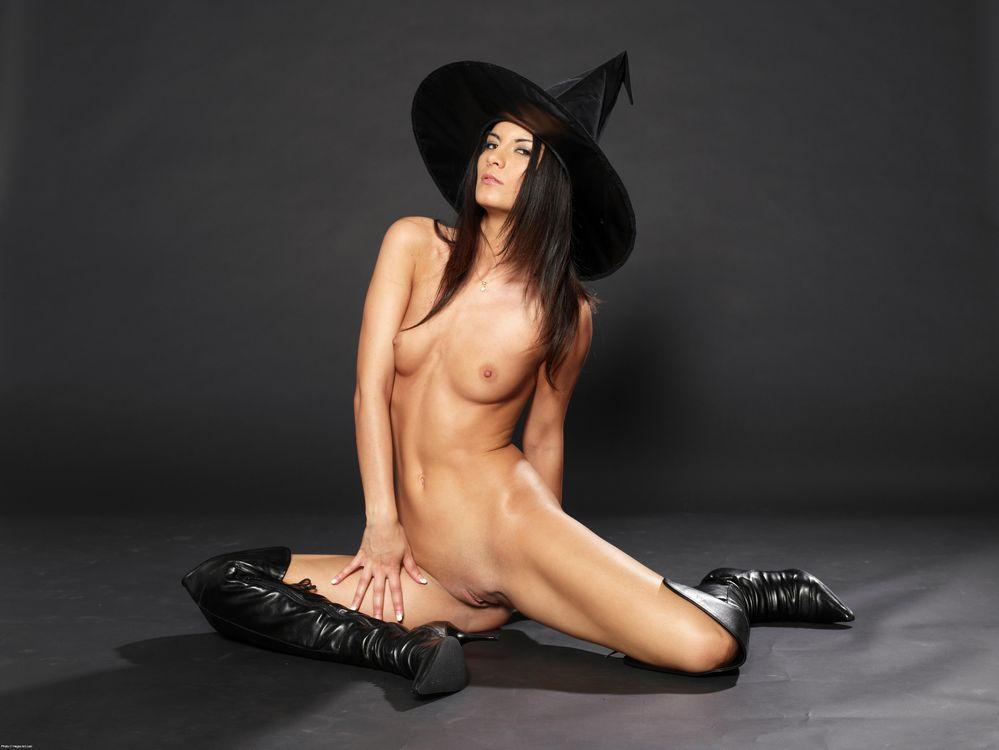 naked-ugly-witch-joyeux-anniversaire-jenny