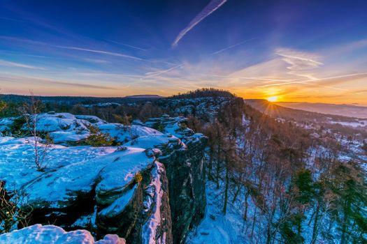 Фото бесплатно Зимнее утро в скалах из песчаника, Тиса, Чехия