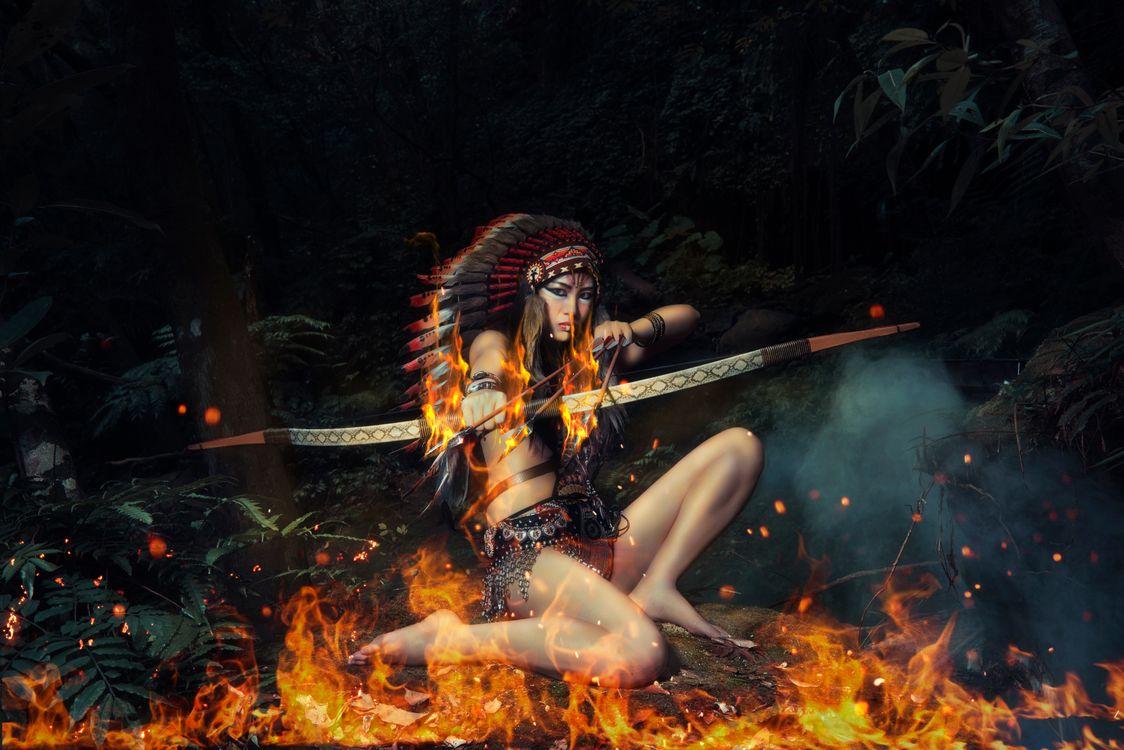 девушка стрелок · бесплатное фото