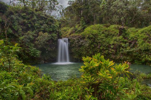 Бесплатные фото Национальный парк Халеакала,Maui,Pua a Ka a State Wayside Park,водопад,водоём,деревья,природа,пейзаж