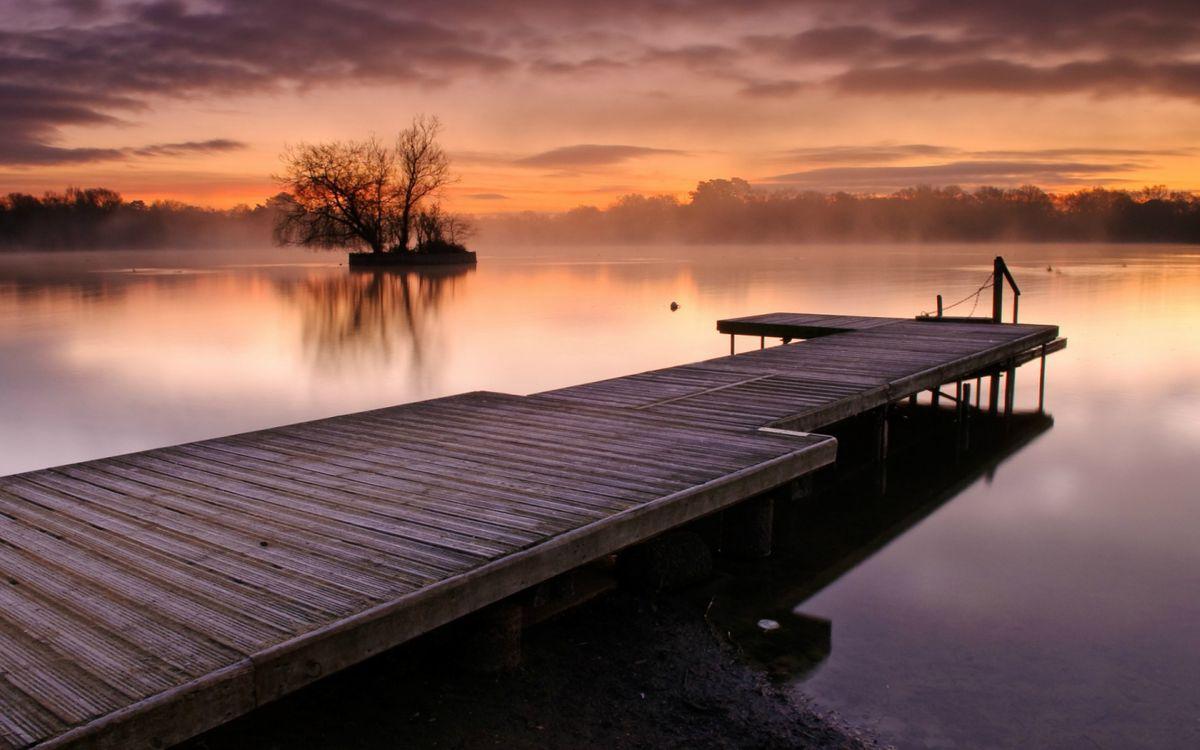 Причал на закате дня · бесплатное фото