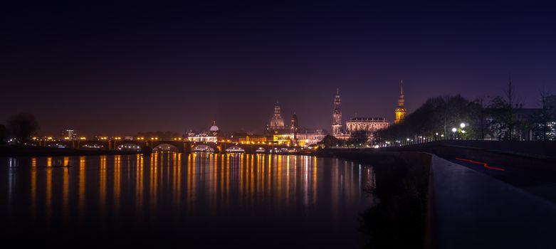 Бесплатные фото Старый город Дрезден,Саксония,Германия,Эльба,панорама,ночные города ночь