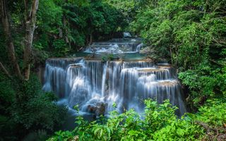 Отдохнуть в Таиланде, посмотри на водопад