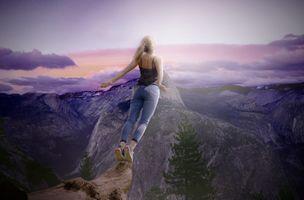 Фото бесплатно закат, горы, девушка, блондинка, падение, прыжок, небо, облака, ситуация