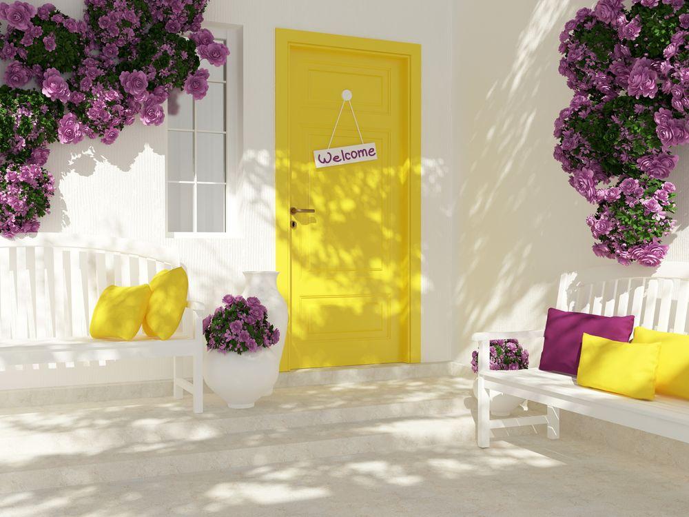 Фото бесплатно желтая дверь, входная, цветы - на рабочий стол
