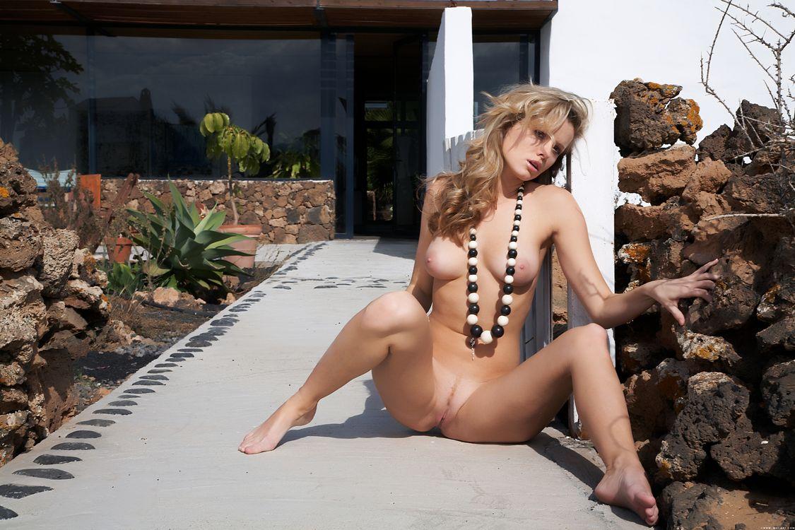 Обои Nikky Case, красотка, голая, голая девушка, обнаженная девушка, позы, поза, сексуальная девушка, эротика, Nude, Solo, Posing, Erotic на телефон | картинки эротика - скачать