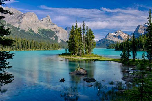 Фото бесплатно Остров Духа, Озеро Малинье, Национальный парк Джаспер