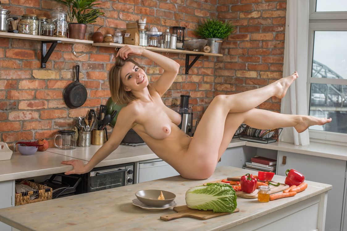 picture-of-a-naked-girl-cooking