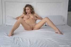 Vika P голая киска
