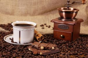 Кофе с шоколадом · бесплатное фото