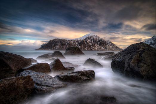 Заставки океан, скалы, горы