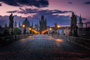Бесплатные фото Charles Bridge,Prague,Czech Republic,ночь,сумерки,фонари,ночные города