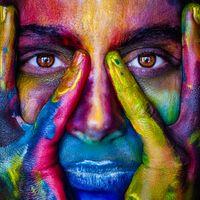 Фото бесплатно девочка, лицо, красочные, цветы, художественный, модель, лица, женщина, глаза, искусство, краска, портрет, аннотация, разнообразие, макияж, девушка, краски, взгляд
