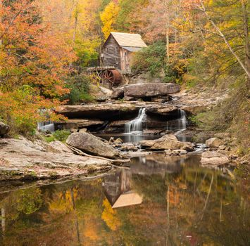 Photo free Glade Creek Grist Mill, Babcock State Park, autumn