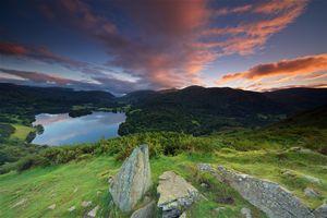 Бесплатные фото Англия,Lake District,National Park Lake Grasmere,закат,горы,камни,холмы