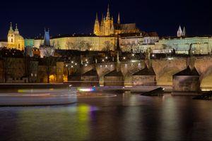 Бесплатные фото Карлов мост,Прага,Чехия,ночь,иллюминация