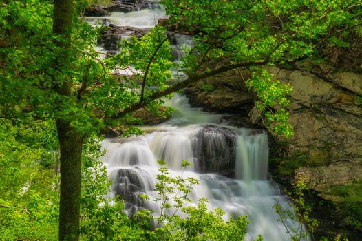 Фото бесплатно Cullasaja River Gorge, North Carolina, водопад, скалы, деревья, пейзаж