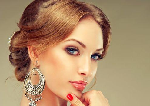 Бесплатные фото макияж,взгляд,серьги,стиль,мода