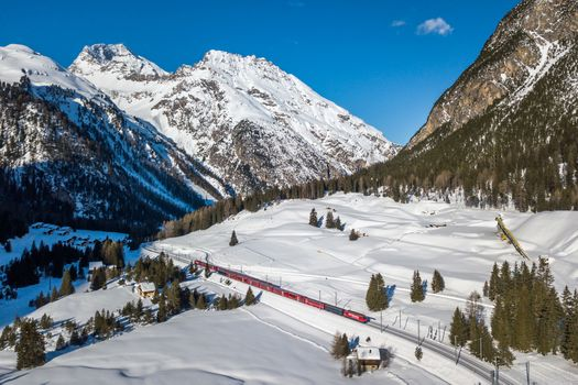 Заставки two trains, Albula-IR, moutains