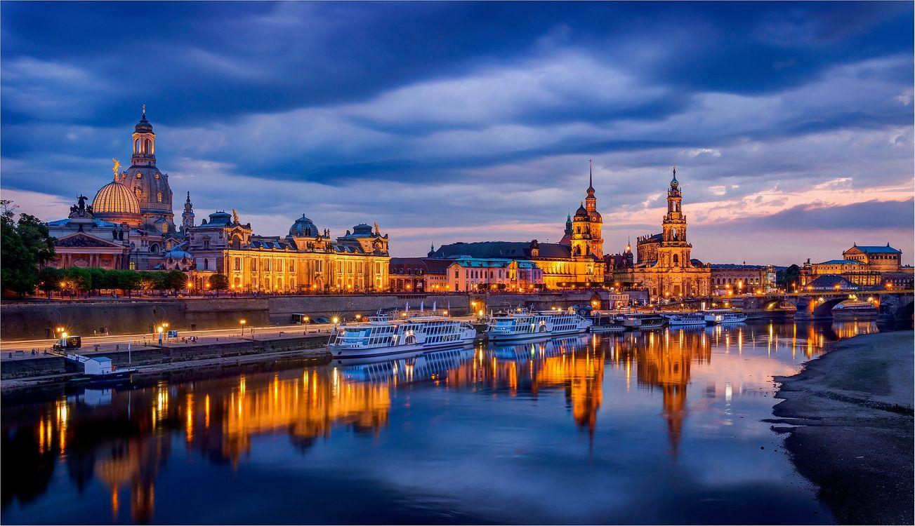 Фото бесплатно Dresden, Germany, Дрезден, город, Германия, Саксония, река Эльба, ночь, сумерки, ночные города, городской пейзаж, иллюминация, закат, город