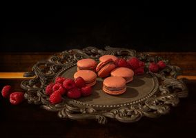 Photo free raspberries, biscuits, tray