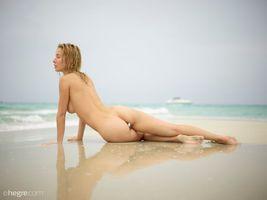 Фото бесплатно Наталья, половые губы, песок
