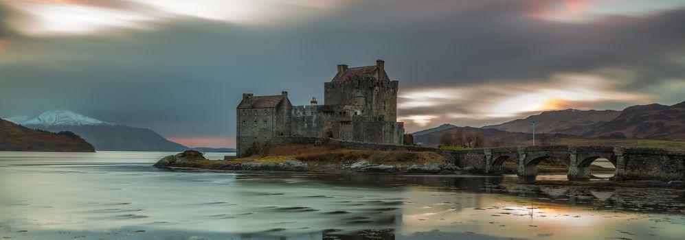 Панорама с замком в Шотландии