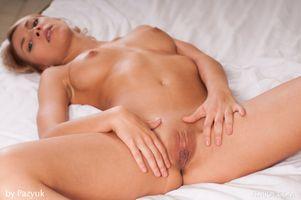 Бесплатные фото Karin P,красотка,голая,голая девушка,обнаженная девушка,позы,поза