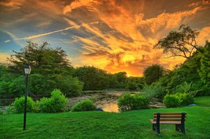 Бесплатные фото закат,пруд,парк,деревья,красивое небо,облака,скамейка