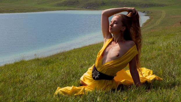 Фото бесплатно милена, желтое платье, платье