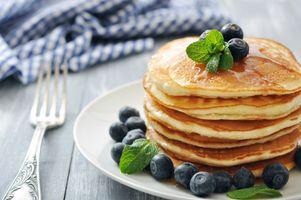 Бесплатные фото блины, тарелка, ягоды, мята, черника