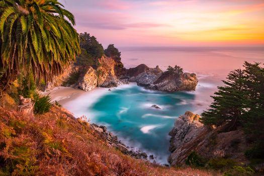 Заставки McWay Falls,Big Sur,California,Julia Pfeiffer Burns State Park,McWay Cove Beach,Биг-Сюр,Калифорния,Парк Джулии Пфайфер Берн,закат,водопад,море,берег