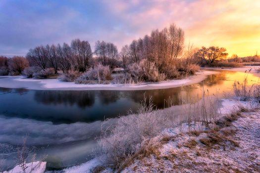 Заставки зимняя река,лед,берег,закат,река,снег,деревья,природа,пейзаж
