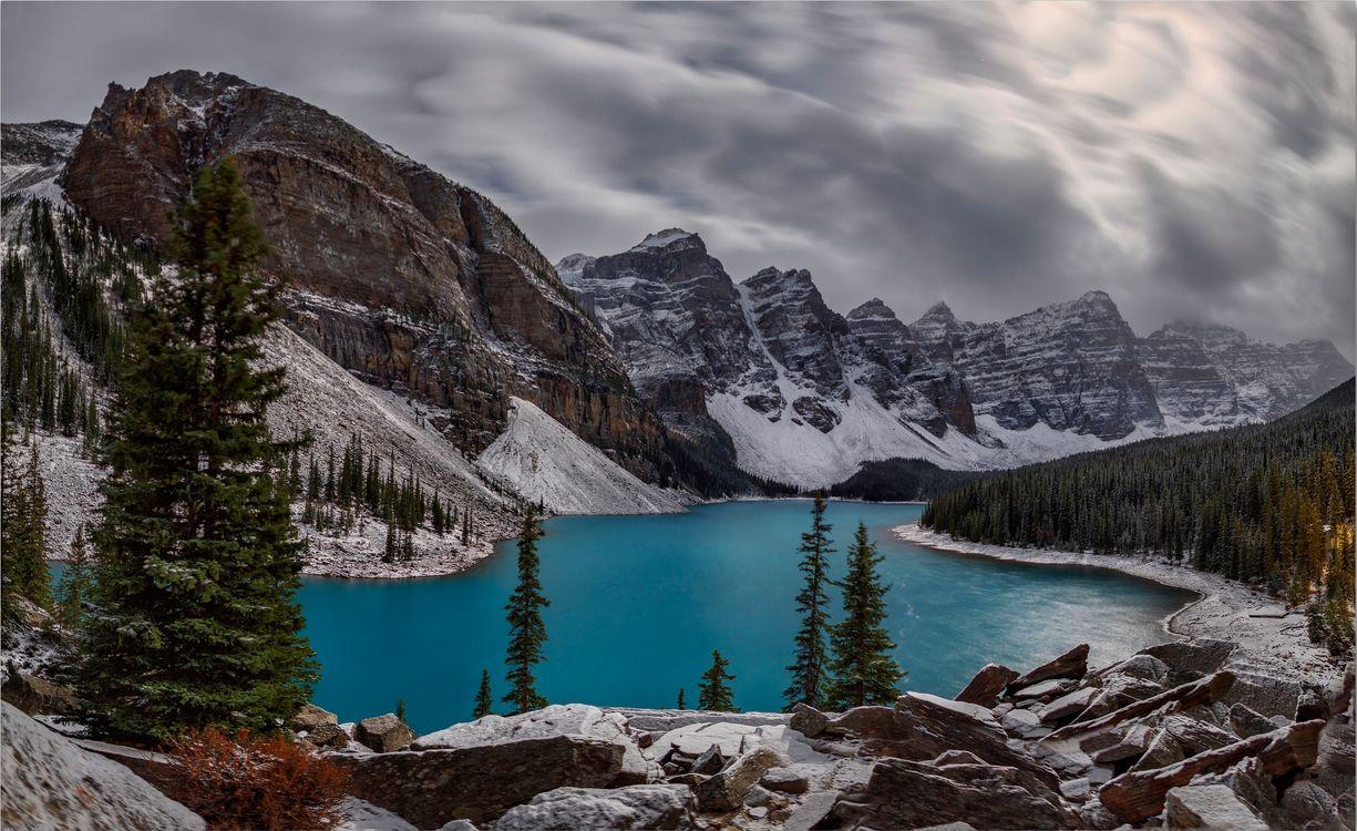 Ледниковое озеро в Moraine Lake · бесплатное фото