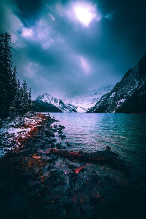 Фото бесплатно обои, закат, фон блокировки экрана, камень, облако, снег, каскад, лес, пейзаж, озеро, гора, дерево, туман, туманный, зима, пейзажи