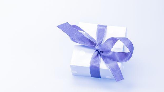 Фото бесплатно праздник, подарок, синяя лента