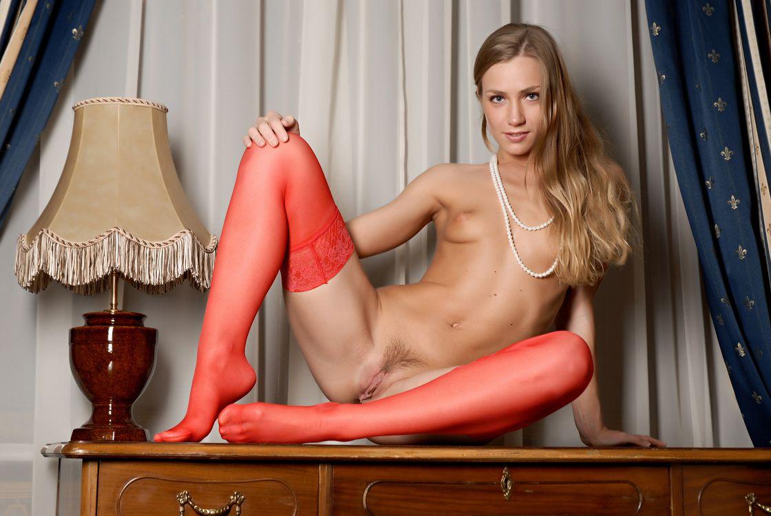 Фото бесплатно SANDRA, красотка, голая, голая девушка, обнаженная девушка, позы, поза, сексуальная девушка, эротика, Nude, Solo, Posing, Erotic, эротика - скачать на рабочий стол