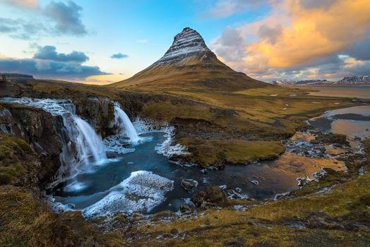 Бесплатные фото Kirkjufellsfoss,Гора Киркьюфетль,Исландия,Грюндарфьёрдюр,фьорд,полуостров Снайфедльснес,гора,река,водопад,природа,пейзаж,Kirkjufel