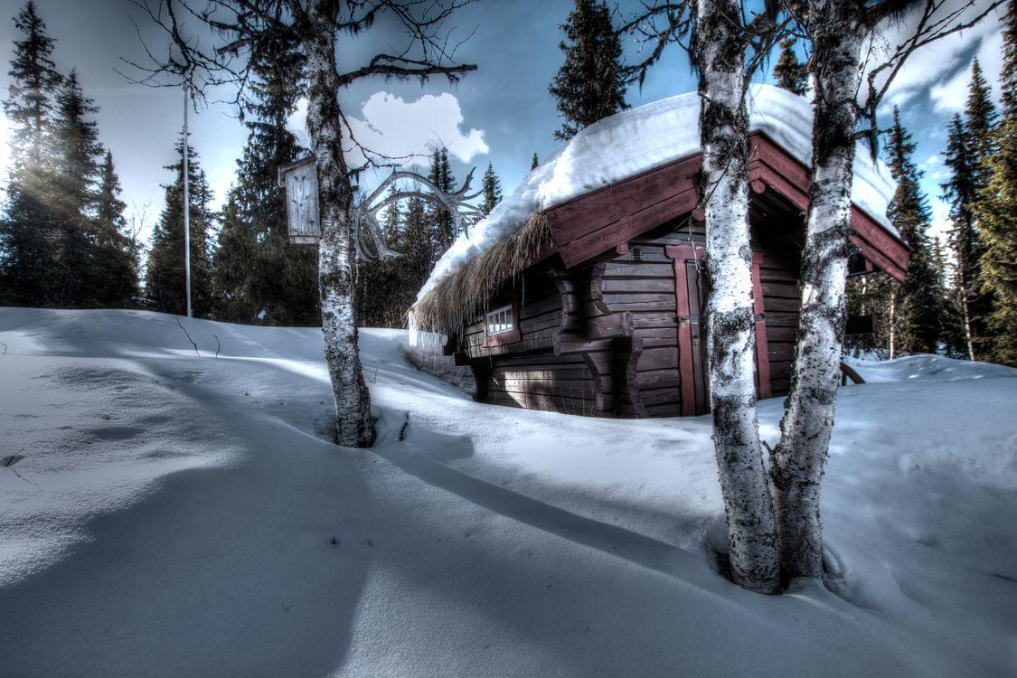 Фото бесплатно сугробы, дом, пейзаж, снег, деревья, зима, природа - скачать на рабочий стол