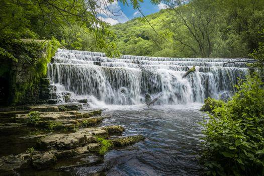 Бесплатные фото Река,Уай-Фолс,Пик Дистрикт,Англия,река,водопад,лес,деревья,пейзаж