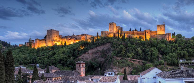 Бесплатные фото Alhambra Twilight,Granda,Spain,панорама