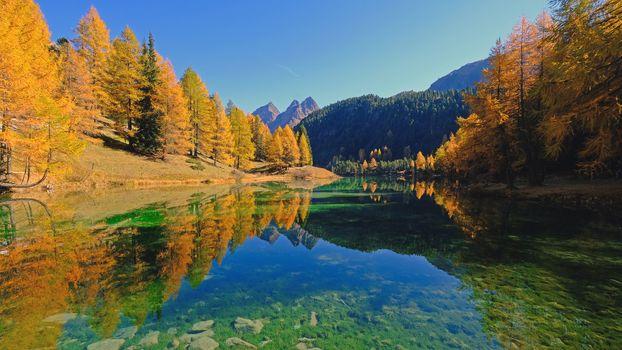 Заставки Швейцария, горы, озеро