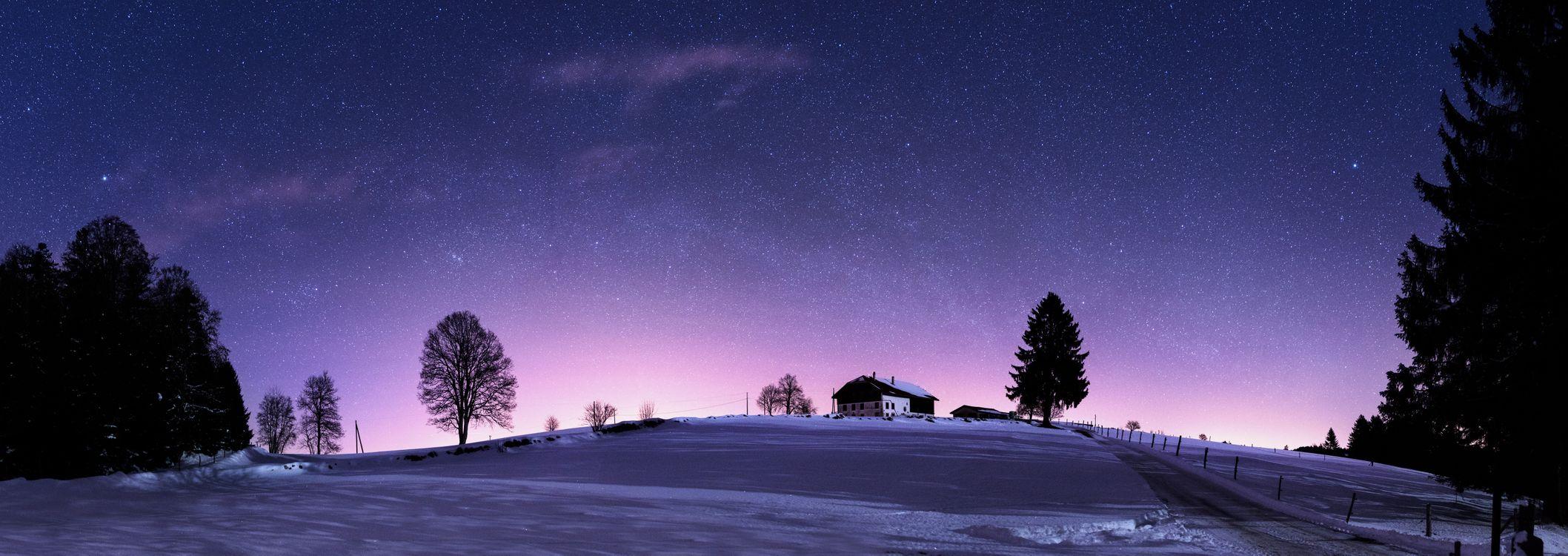 Фото бесплатно Юра Хиллз ночью, Ла Шо-де-Фон, Швейцария, ночь, зима, снег, домик, деревья, сияние, панорама, пейзажи