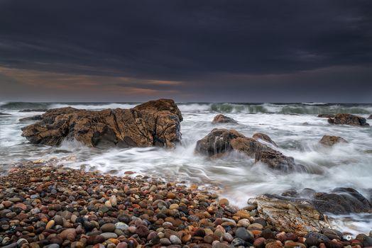 Бесплатные фото закат,море,берег,камни,скалы,волны,морской пейзаж