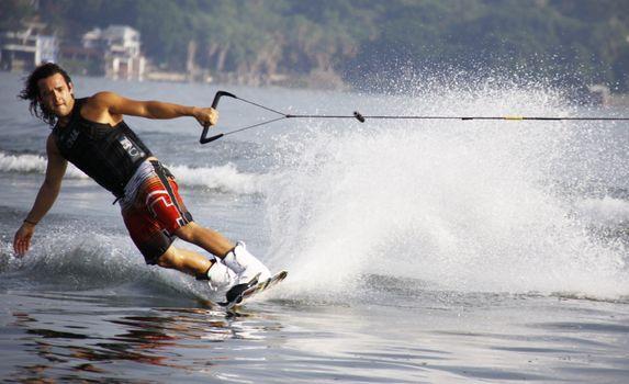 Бесплатные фото человек,воды,природа,волна,озеро,отдых,грести,всплеск,парусный спорт,упражнение,экстремальный вид спорта,горнолыжный спорт