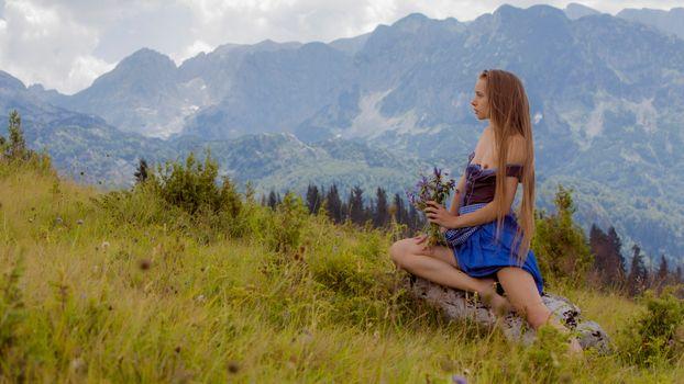 Фото бесплатно Милена Ангел, Альпы, цветы