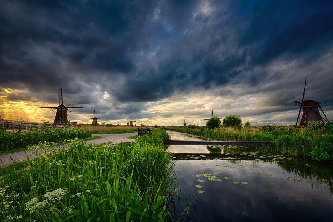 Фото бесплатно Windmills in Kinderdijk, Амстердам, закат - на рабочий стол